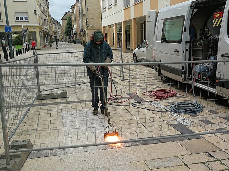 flammage-pave-rue-pietonne